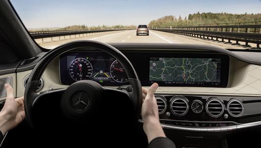 Funkcja autonomicznej jazdy w Mercedesie szybciej niż myślimy