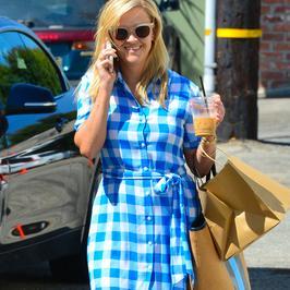 Reese Witherspoon na co dzień zachwyca stylem. Zobacz jej najnowszą stylizację!