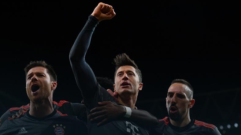 Xabi Alonso (L), Robert Lewandowski i Franck Ribery