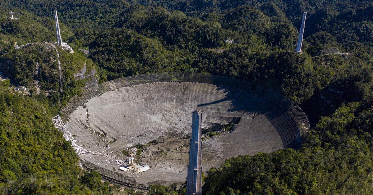 Zawaliła się platforma gigantycznego radioteleskopu Arecibo - Wiadomości