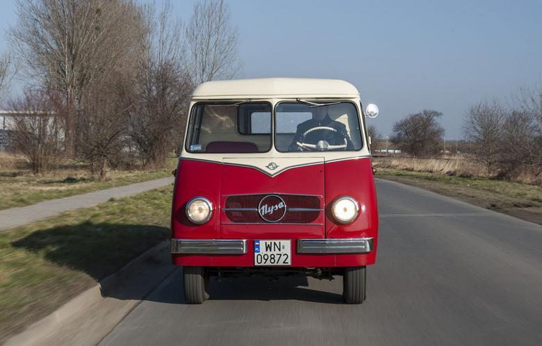 """Charakterystyczny płaski """"pysk"""" pierwszej Nysy jest dzisiaj niespotykany na drogach. Kiedyś był to nieodłączny element motoryzacyjnego krajobrazu Polski"""
