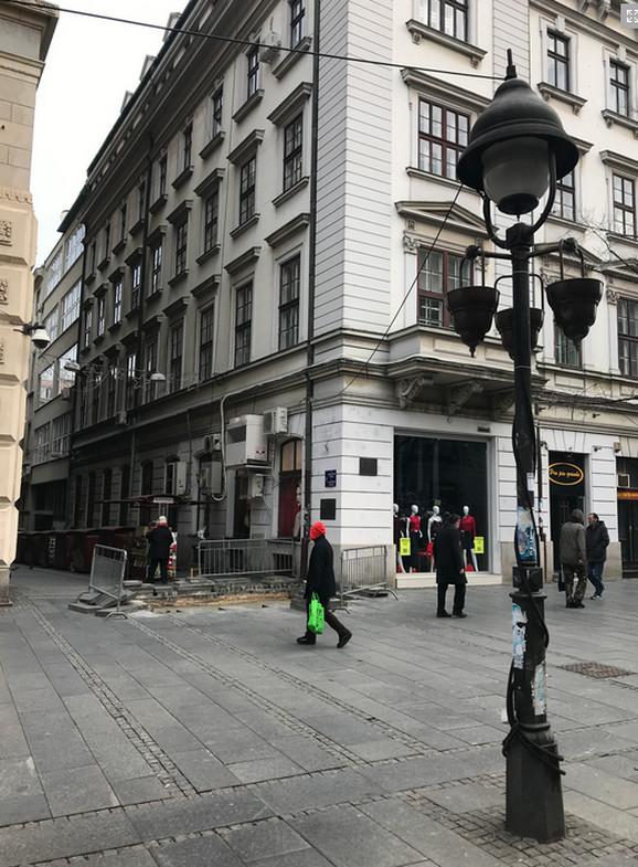Kablovi vise u Knez Mihailovoj