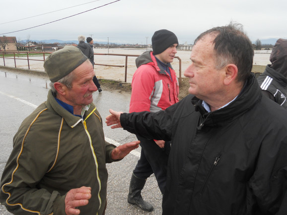 Vojislav Ilić sa očajnim građanima Čačka