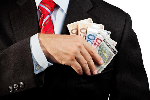 """Według """"NYT"""" skandal z manipulowaniem stopą kredytu międzybankowego daje wreszcie oskarżycielom okazję, by pociągnąć banki do odpowiedzialności"""