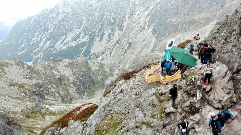 Kawalerski pod Zawratem w Tatrach. Pan młody zapłaci grzywnę