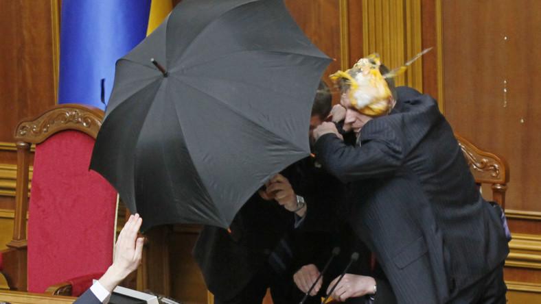 Dotychczas były bijatyki w parlamencie i zamieszki na ulicach. Czy teraz rodzi się ukraiński terroryzm?
