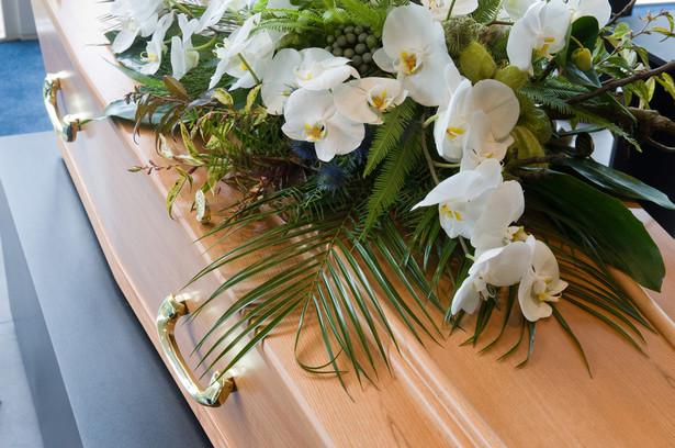 eśli zmarły nie pozostawił tzw. dyspozycji wkładem na wypadek śmierci, można się starać jedynie o zwrot kosztów pogrzebu.