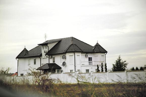 Vila Seke Aleksić ima bazen, teretanu, kozmetički salon