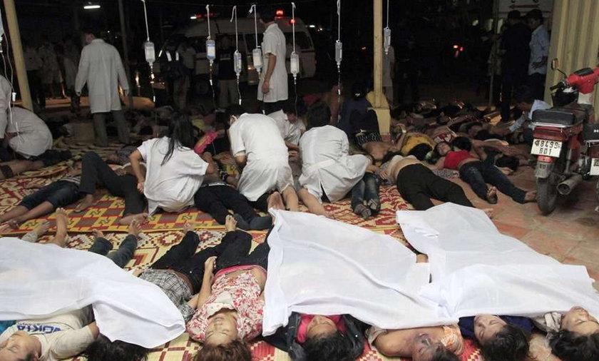 378 zabitych w panice na moście. Mocne zdjęcia