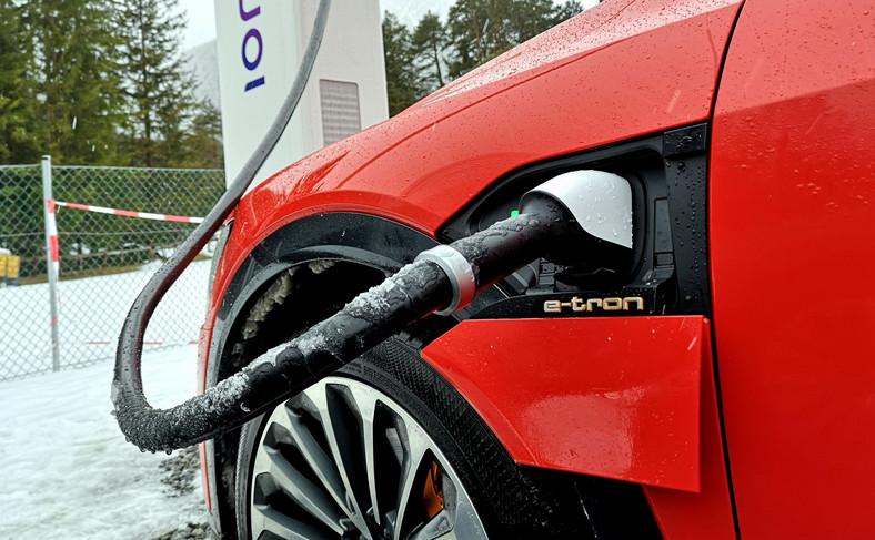 Audi e-tron w Austrii. Podróż w Alpy...