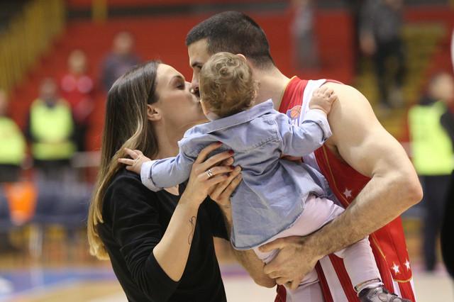 Branko Lazić sa suprugom Natašom i ćerkicom Sarom
