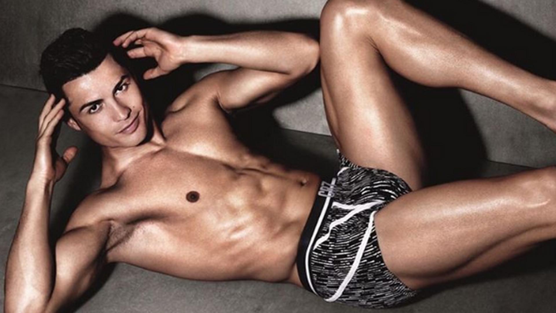 4c4c872dd24d9b Bieliźniany biznes Cristiano Ronaldo. Każda sprzedana para majtek przynosi  mu konkretny zysk