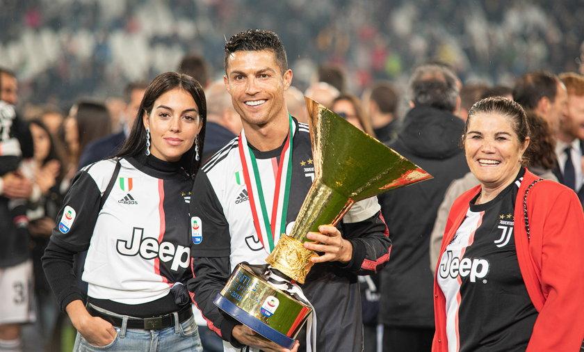 Georgina Rodriguez, Cristiano Ronaldo i jego matka Dolores Aveiro.