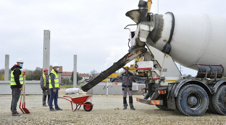 Vesić Obrenovac kamen temeljac