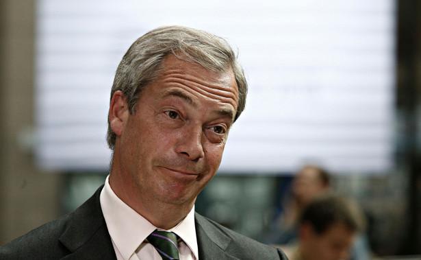 Lider eurosceptycznej Partii Brexitu Nigel Farage zapowiedział w niedzielę, że nie wystartuje osobiście w zaplanowanych na 12 grudnia wyborach do brytyjskiego parlamentu, będzie jednak wspierał w kampanii wszystkich 600 kandydatów swojego ugrupowania.
