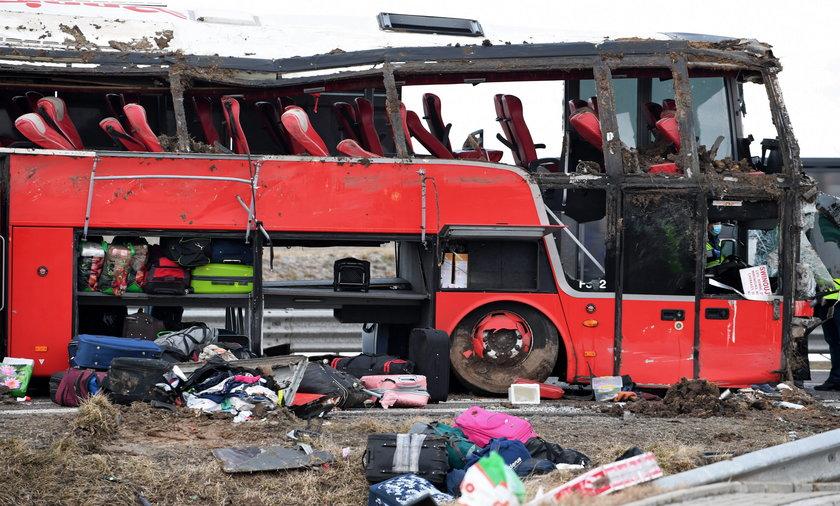 Tragiczny wypadek na Podkarpaciu. Pięć osób nie żyje, kilkadziesiąt jest rannych