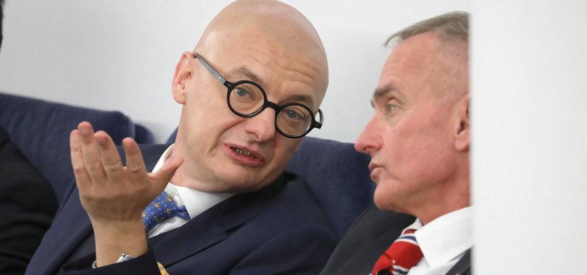 """Senator PiS pyta o """"sanitarian"""". Wicemarszałek kpi: Czekam na odpowiedź jako Ziemianin"""