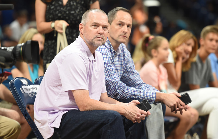 Arturas Karnišovas (desno) pored trenera Denvera Majka Malona (levo)
