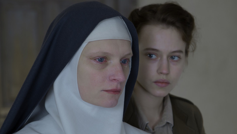 "Agata Buzek i Lou de Laâge w dramacie ""Niewinne"""