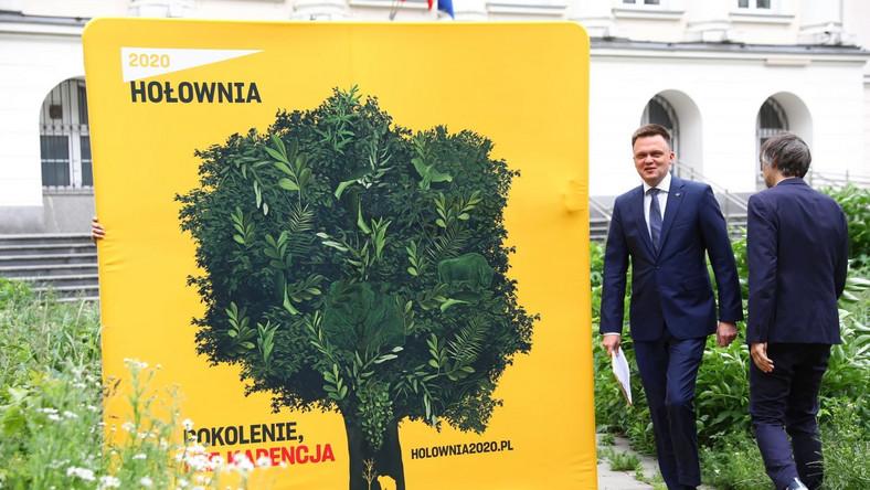 Szymon Hołownia podczas konferencji prasowej z okazji Światowego Dnia Ochrony Środowiska