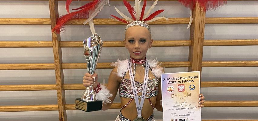 Oto mała akrobatka! Ma 9 lat i jest mistrzynią świata w fitnessie gimnastycznym