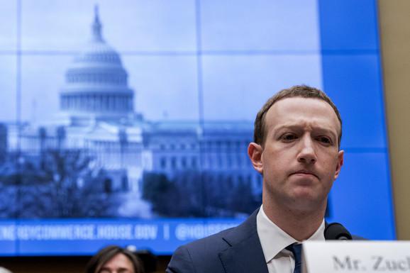 Zakerberg u VRUĆOJ STOLICI: Ili će biti kako Fejsbuk kaže, ili kako KINA KAŽE