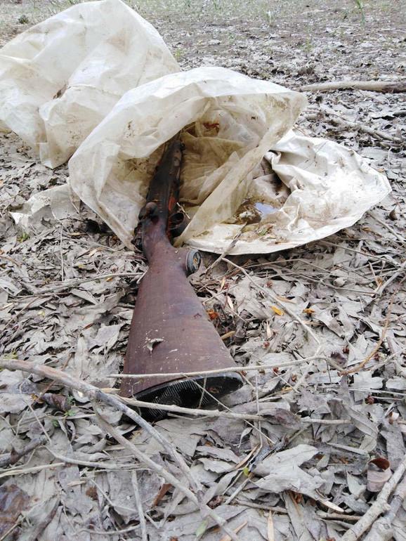 Karabin nađen u kesi
