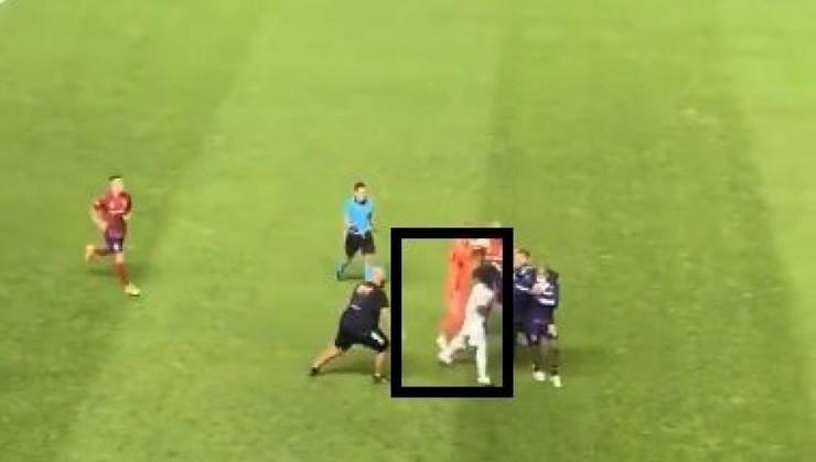 Everton Luiz tuča