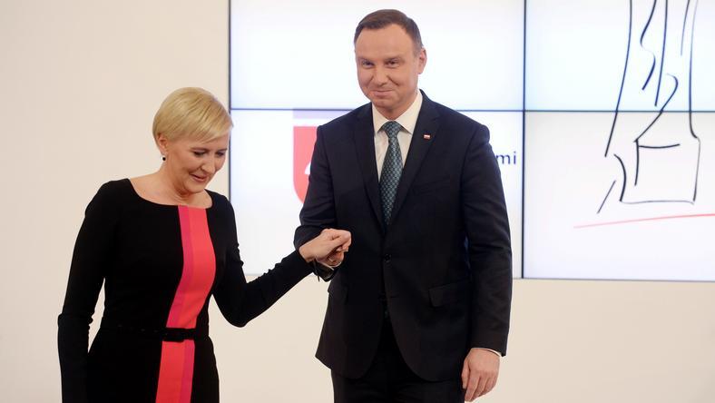 Andrzej Duda prowadzi w rankingu zaufania