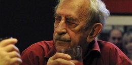 Kobuszewski pije za drowie żony. Foto