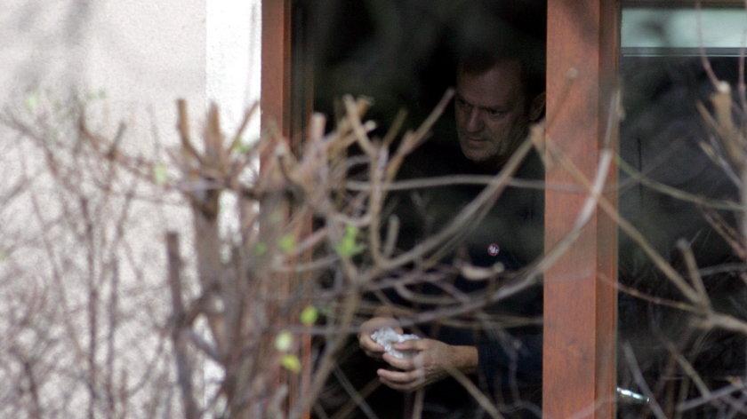 Donald Tusk nie stroni od sprzątania