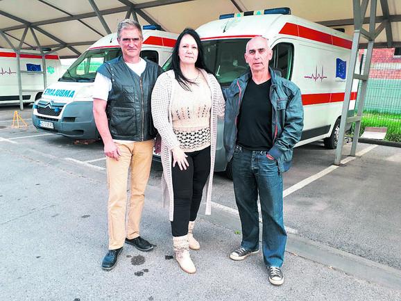 Ekipa koja je porodila ženu u sanitetu na ulici