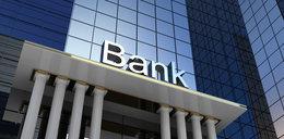Znany bank będzie musiał oddawać klientom pieniądze! Za niesłusznie pobrane opłaty
