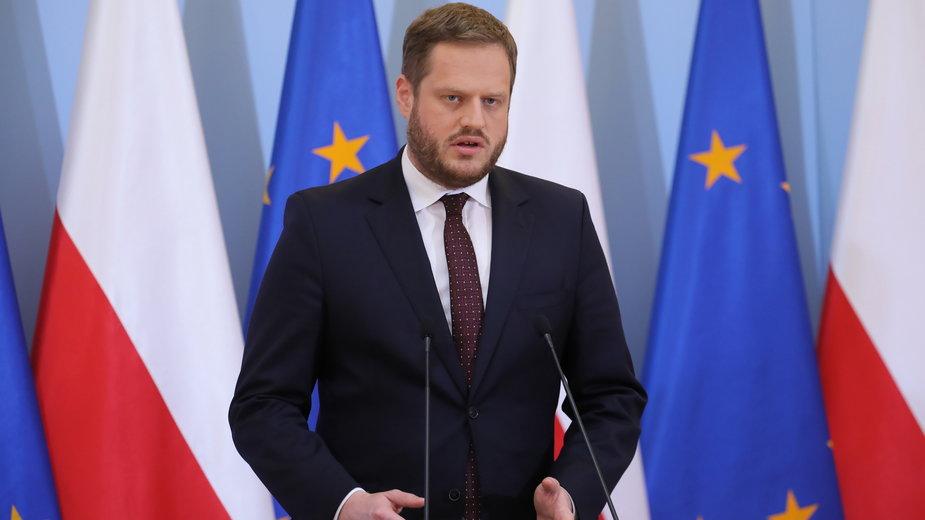 Janusz Cieszyński, który był odpowiedzialny za zakup respiratorów