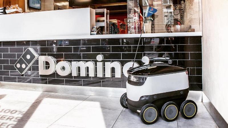 Domino's chce zastąpić dostawców robotami