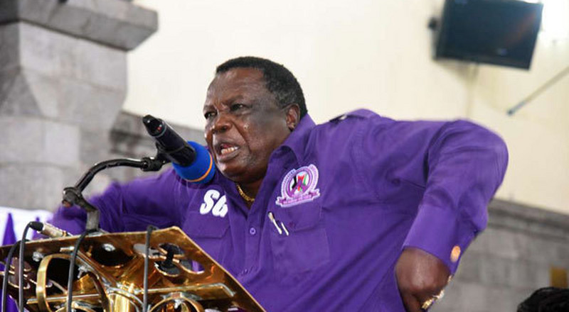 Shenzi - Furious Atwoli slams his phone on the floor during presser (video)