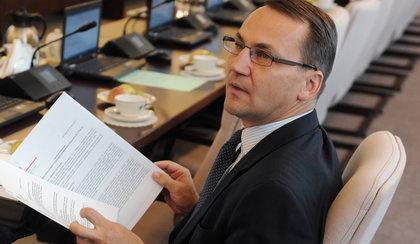 Sikorski: Rosja może zaatakować Ukrainę