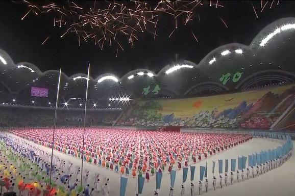 ISTORIJSKI KADROVI Predsednik Južne Koreje došao kod Kim Džong Una u goste i zatekao SPEKTAKL