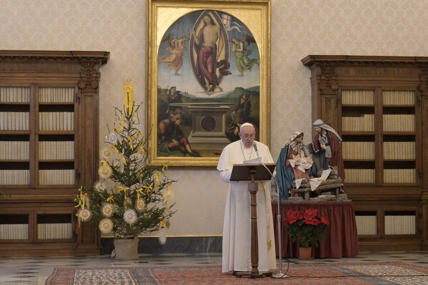 Papież Franciszek jest chory.