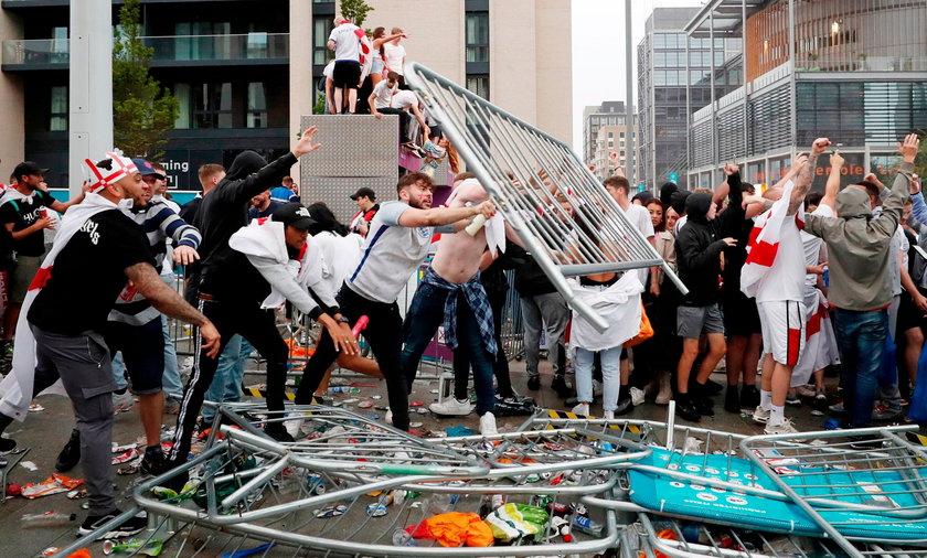 Pseudokibice z Anglii popsuli radość ze sportowego święta.