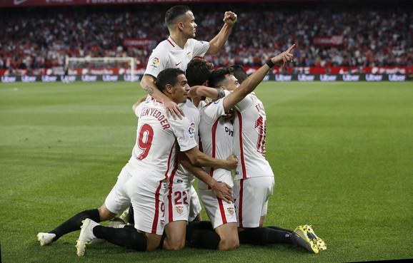 Fudbaleri Sevilje slave pogodak