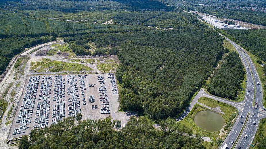 Parking obecnie zajmują samochody marki Hyundai