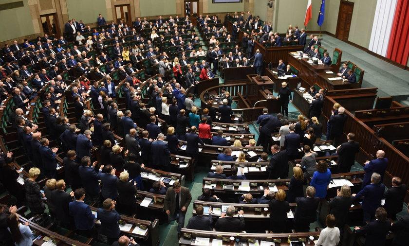 Sejm podjął decyzję ws. medycznej marihuany! Ale są czarne owce