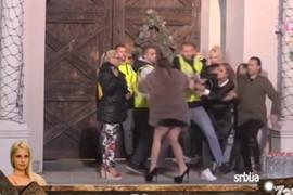 LUNA JE UDARALA IZ SVE SNAGE Miljana izvređala nju i Anabelu, nazvala je Razija, pa dobila UDARAC U GLAVU (VIDEO)