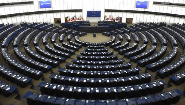 Sala plenarna Parlamentu Europejskiego w Strasburgu, PAP/Radek Pietruszka
