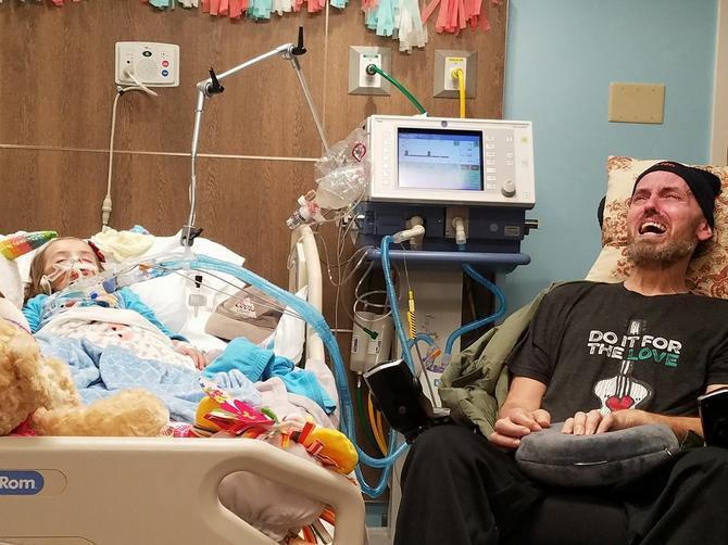 Za par dana sahraniću ćerku, a za par nedelja i oca: Slika iz bolnice ove nesrećne žene SLAMA SRCE