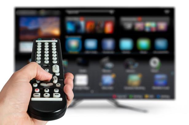 telewizor, pilot, Smart TV, telewizja