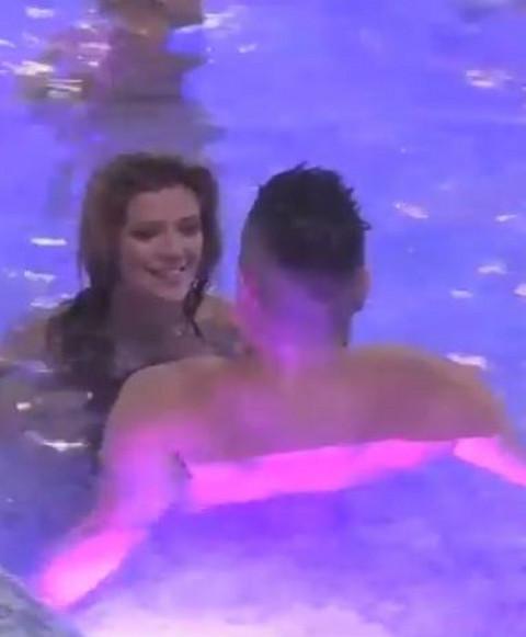 ZBOGOM, LUNA! Kija i Sloba posle žurke završili u bazenu, umalo pao POLJUBAC! VIDEO