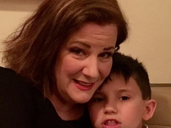 Zatrudnela sam u 51. godini: Danas moj sin svima priča KAKO SE ON RODIO i nimalo mi nije NEPRIJATNO zbog toga