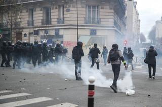 """Francja: """"Czarny blok"""" przeciw autorytarnym zapędom"""